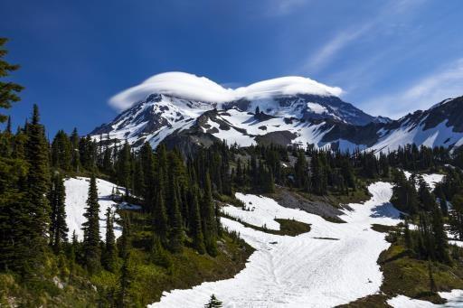Cap clouds on Mt. Rainier, copyright © Joe Whittington
